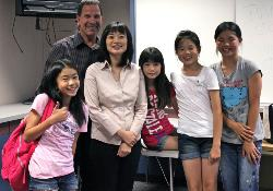 Students and Melissa Chan1.jpg