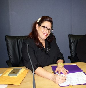 Gloria_Signing.jpg