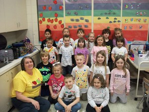 Mrs. Snovak's class is wearing 100 Days of School t-shirts.