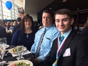 Darius Legleitner '19 and his parents