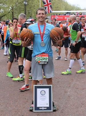 London fastest-Marathon-Dribbling-2-Basketballs.jpg