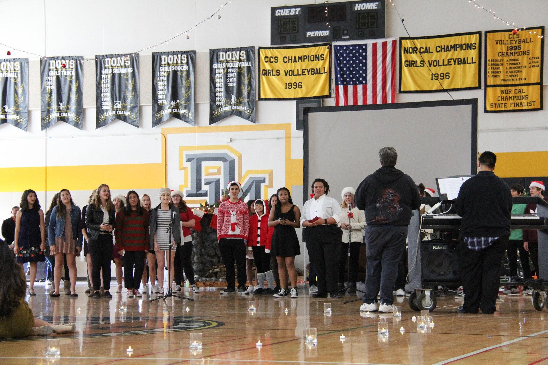 Image of concert choir singing at 2017 winter wishes event