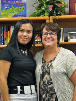 Yang Jing and Principal.JPG