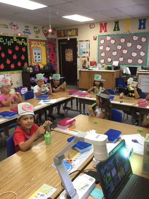 Mrs. Leon's Kinder Class Celebrates