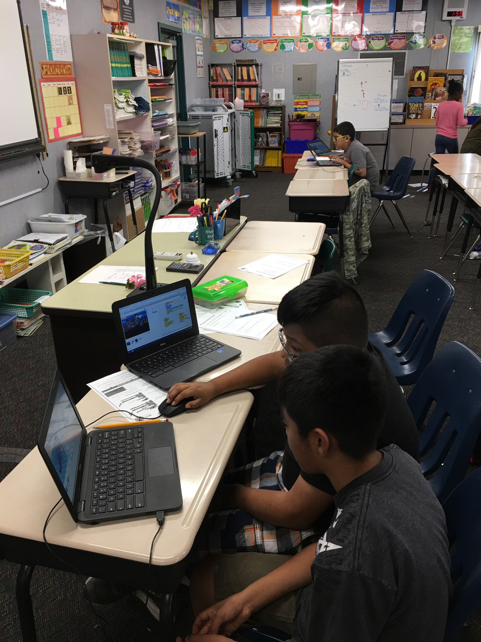 Collaborating to Debug Scratch Projects
