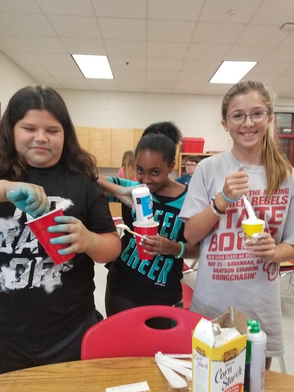 Mrs. Jernigan's Class Make Slime Featured Photo