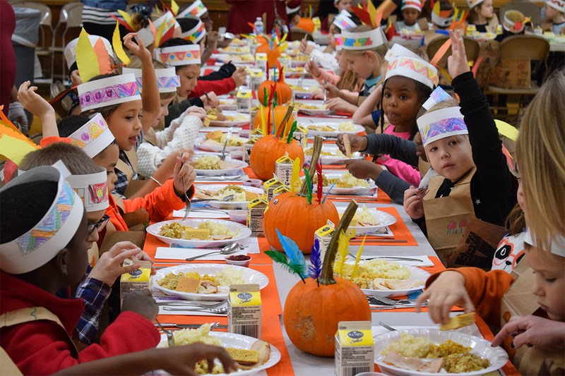 SE Students Celebrate Thanksgiving with Feast Thumbnail Image