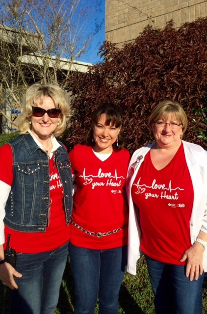 LES Staff goes RED!