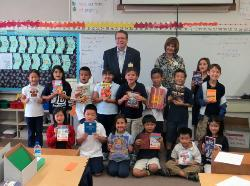 San Marino Rotary Club representatives William Bortz and Jean Brodhead are pictured with Kimberly Ng's second grade class.