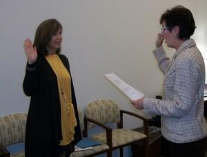 Jackie Carr sworn in as Carrsville representative