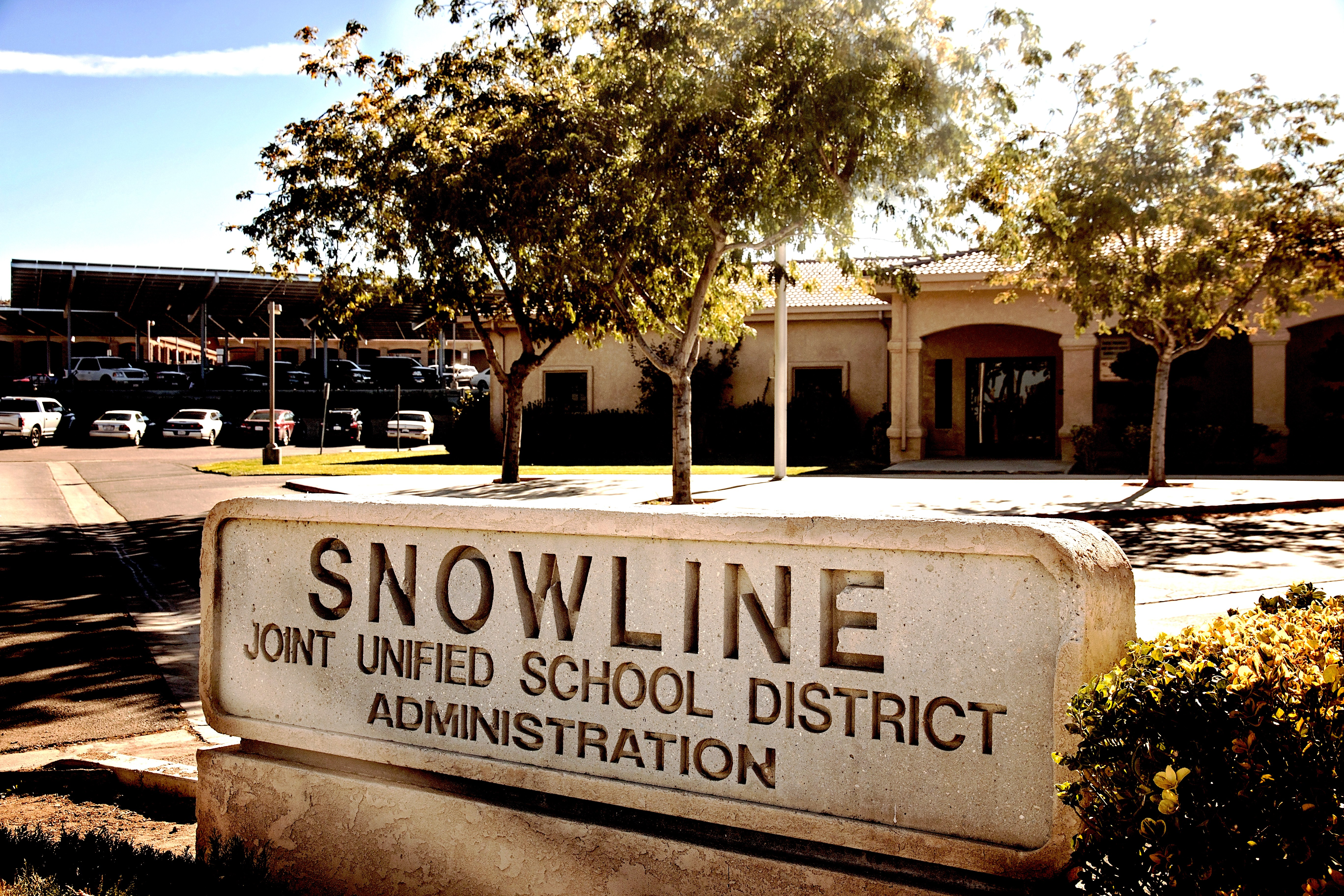 Snowline JUSD Sign