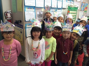 100th day of school necklaces and hats
