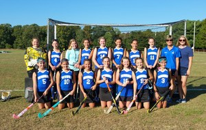 Field Hockey Team 2016.jpg