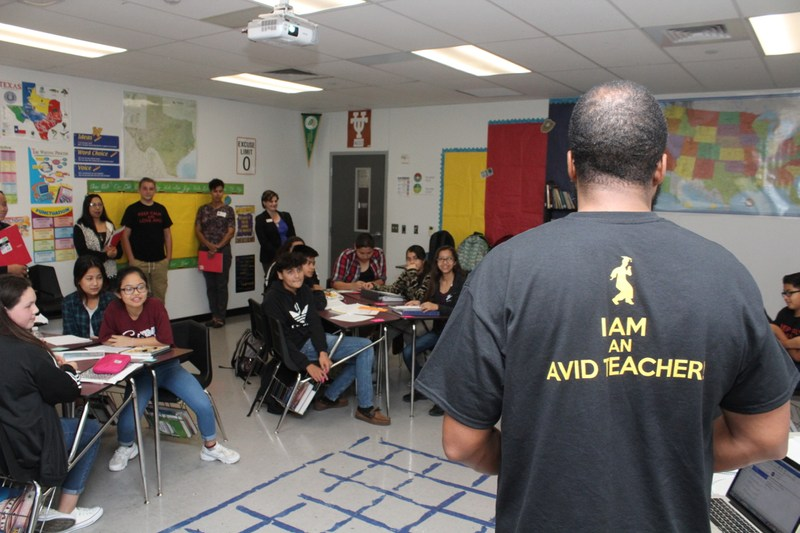 AVID Showcase at Decker Middle Shows Off Classroom Practices Thumbnail Image