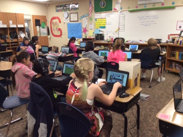 Students in 4th grade at Terrace Heights Elementary, using Chromebooks