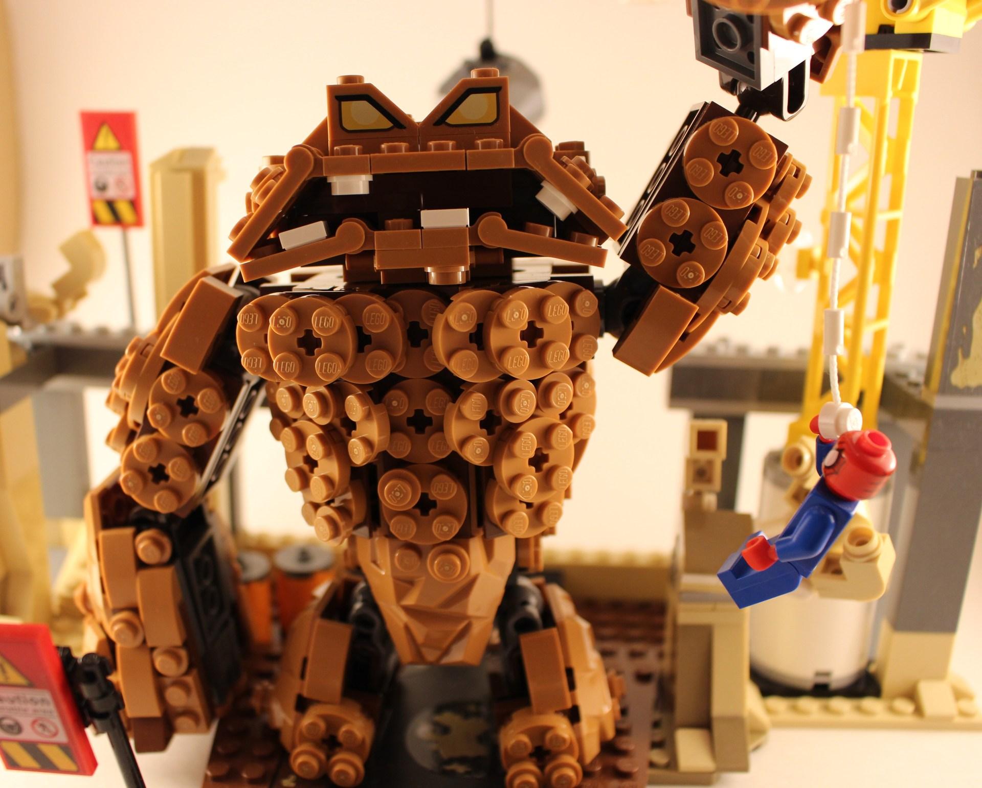 LEGO Spider-man vs. Sandman v2 (Claymonster from Batman)