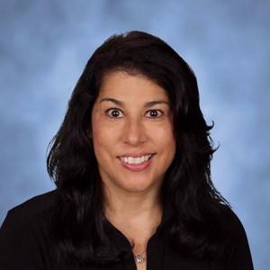 Teri Renou's Profile Photo