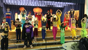 RB 4th grade performing Aladdin