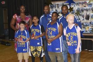 Kym Hampton with Van Cleve Basketball team