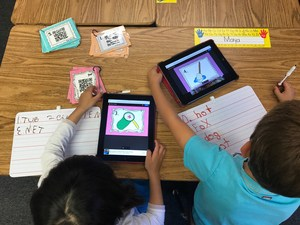 El Rodeo students use iPads