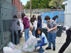 recycling drive for japan 011.jpg