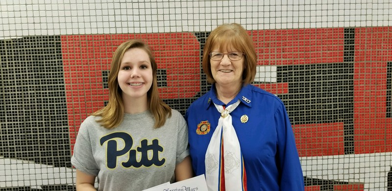 Rachel Vandenbergh with VFW representative Nancy Hoover