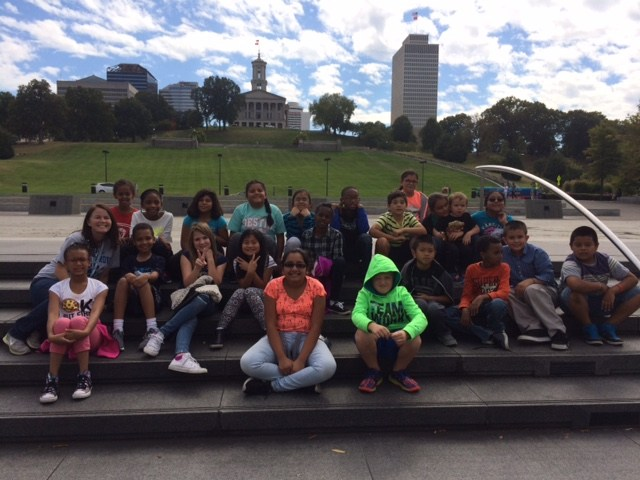 Class photo in front of Tennessee State Capitol.