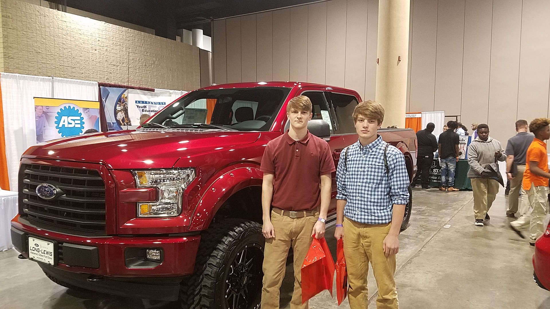 Auto students at 2018 JLDC.
