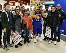 NYI STUDENTS HAD A GREAT TIME AT LAST NIGHT'S WESTCHESTER KNICKS GAME.