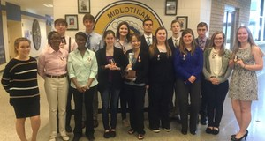 Picture of the SHS Debate Team after their win.