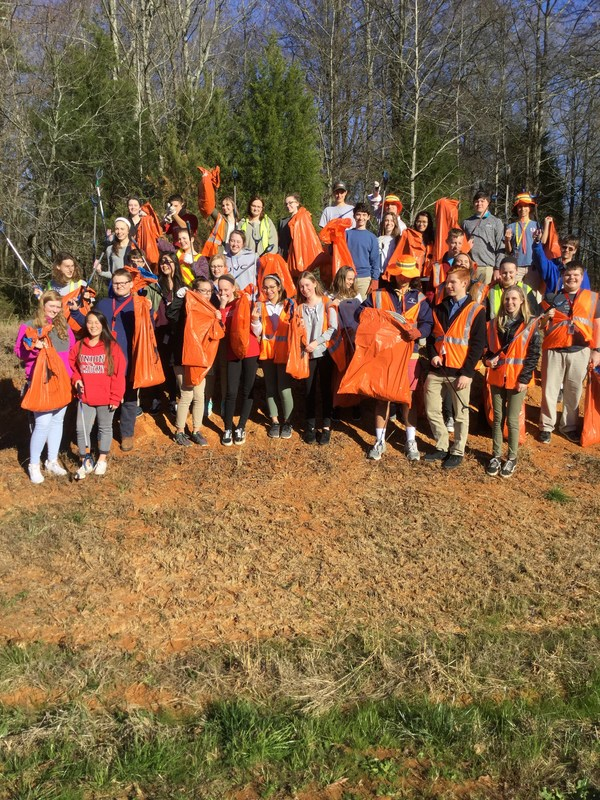 UA Beta Club supports clean roads