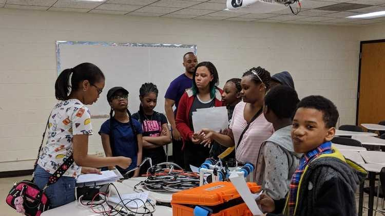Colin Powell Students Dominated in Midwest Underwater Robotics Competition Featured Photo
