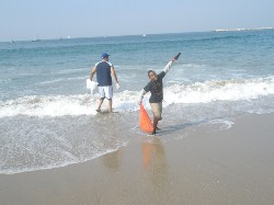 Coastal Clean up 2009 bashiri.JPG