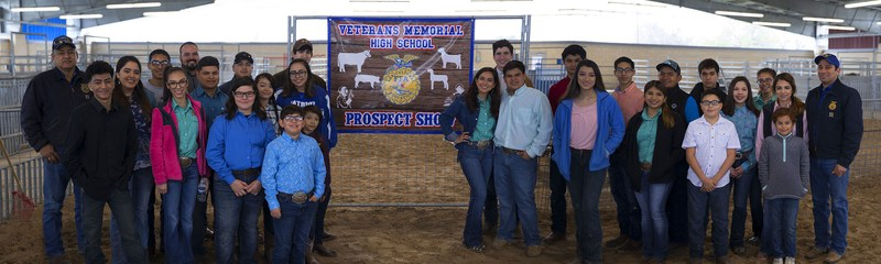 group photo of students and teachers from the VMHS FFA at the Alumni Show