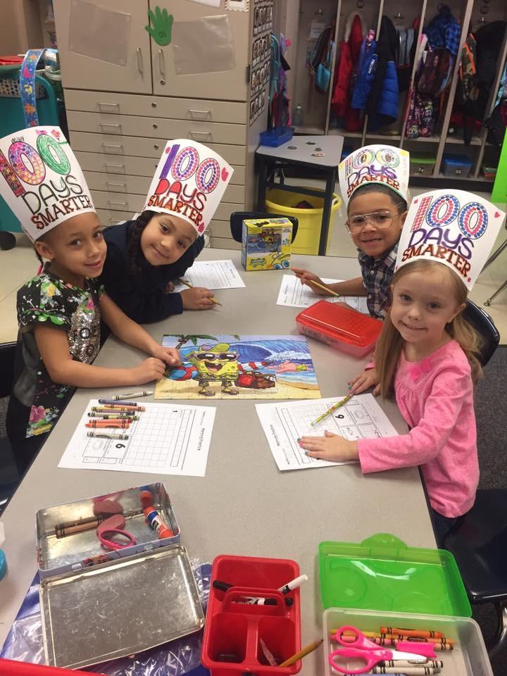 Photo of Kindergarten Students - 100 Days Smarter