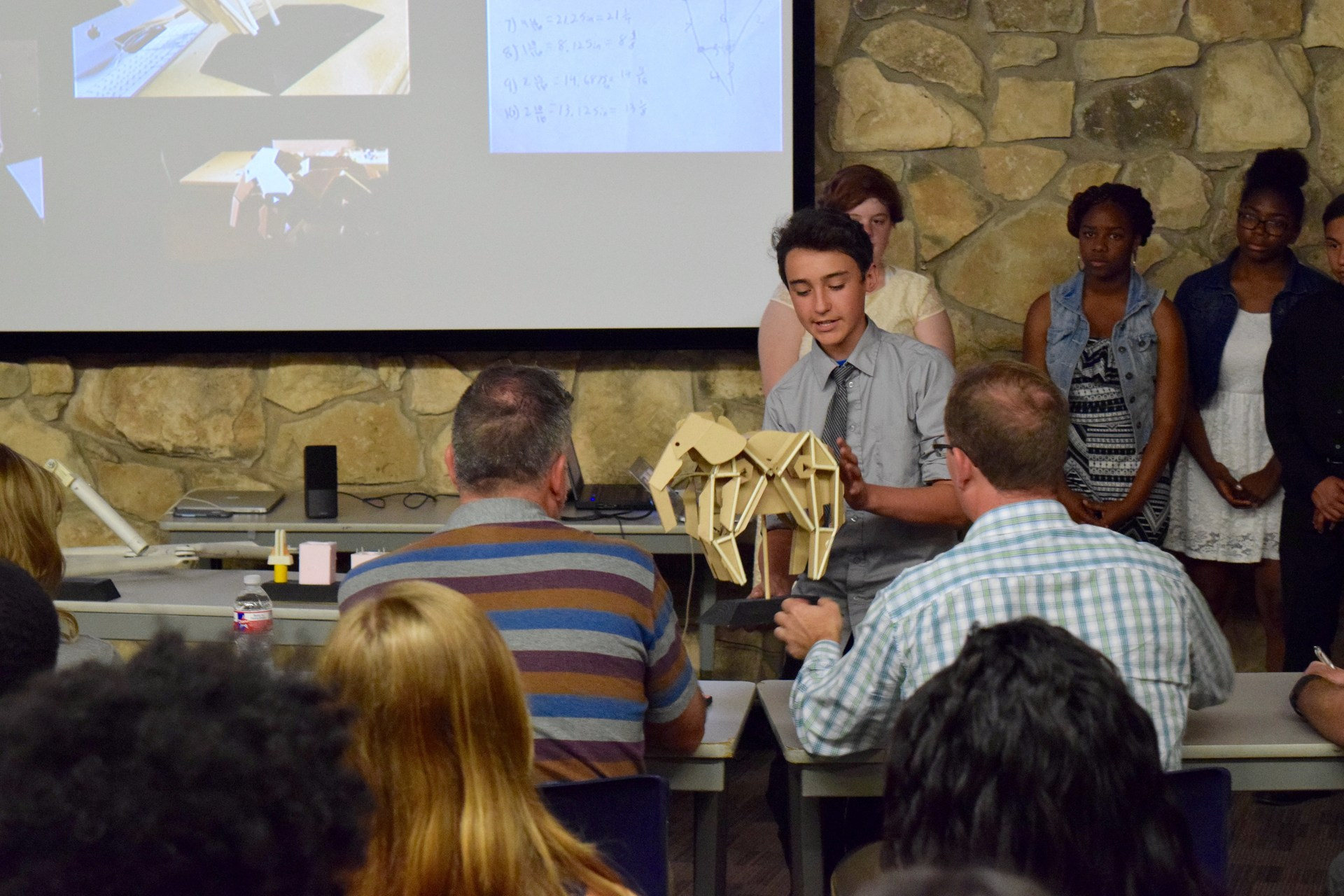 Student presenting to the Dallas Zoo