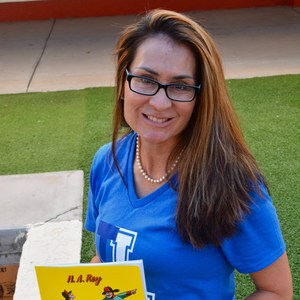 Angela Groves's Profile Photo