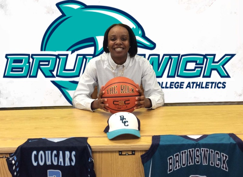 Shayla Ellis signs with Brunswick Community College Thumbnail Image
