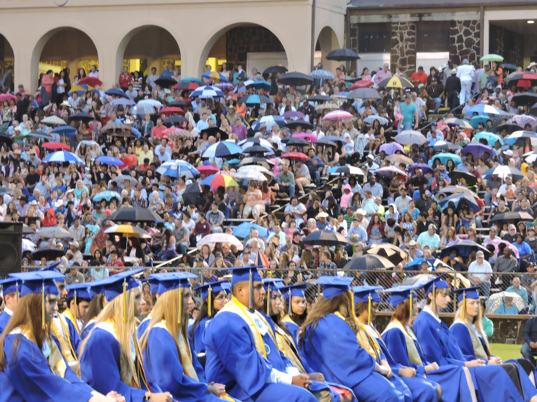 crowd at 2016 graduation