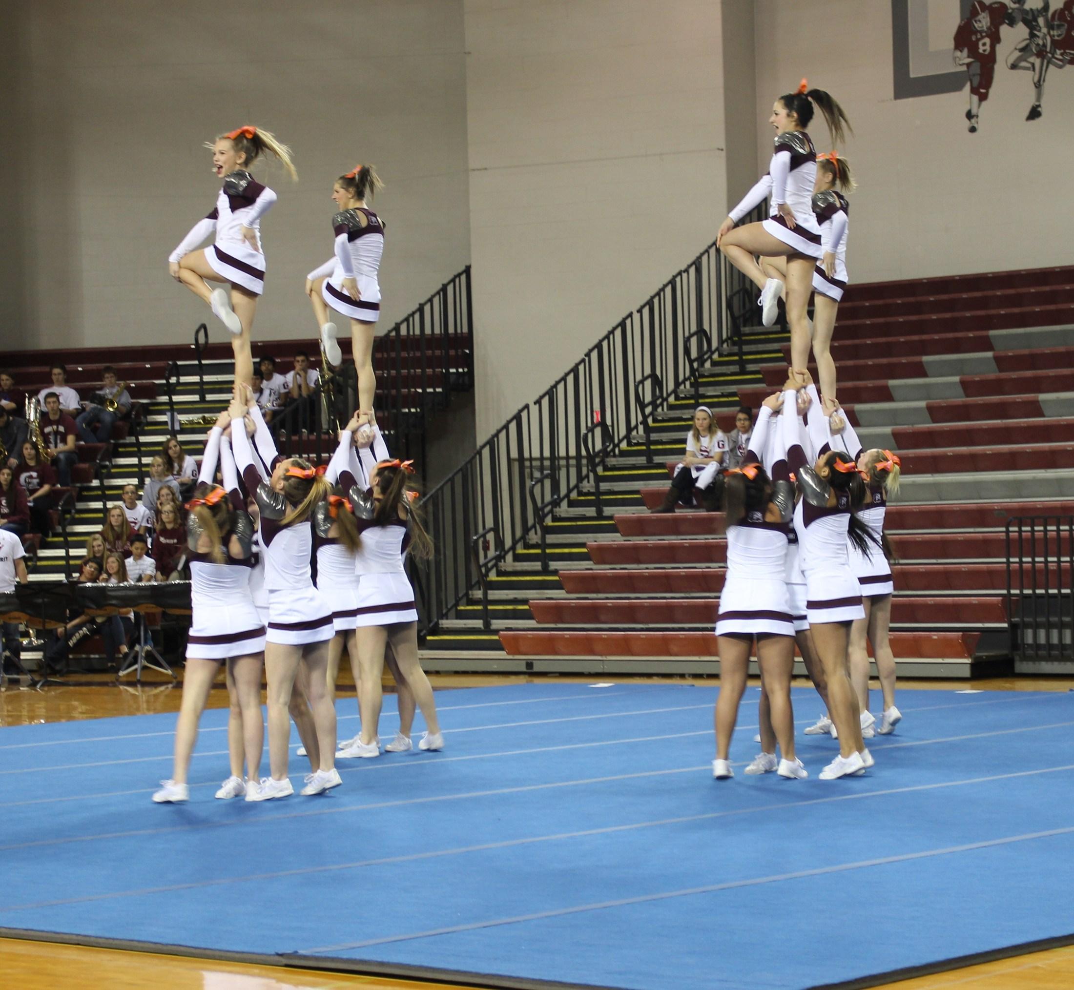 cheerleaders in mount