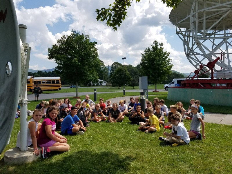 Tennerton Fifth Graders at Greenbank Observatory