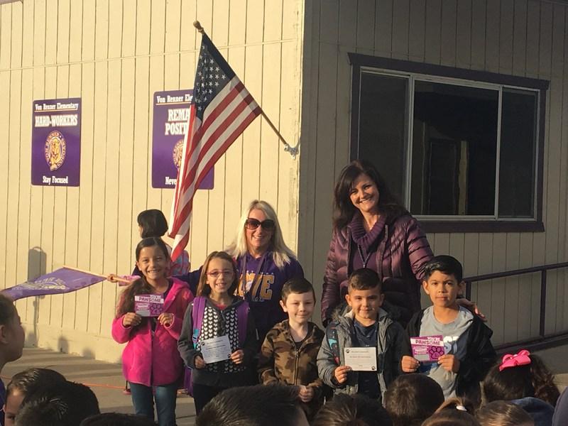VR students reveiving the yard duty award on 10/20/17