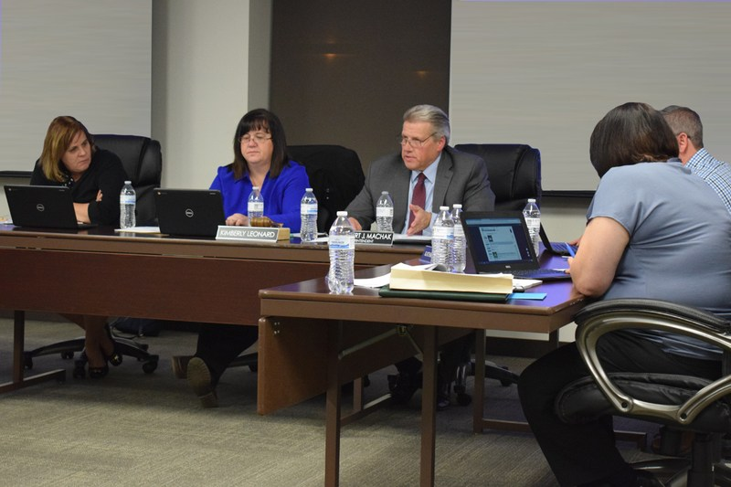 EPSD 124 Board of Education goes paperless Thumbnail Image