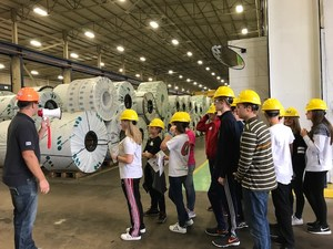 Students on field trip to Metal Coaters