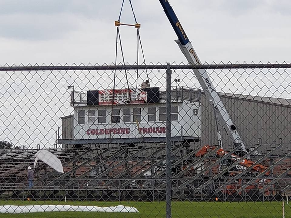 Photo of Trojan Stadium press box being removed - front view