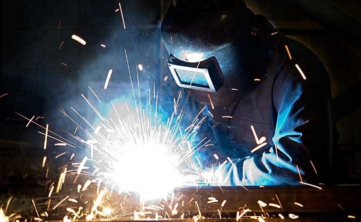 LCHS Partnering with SPC to Offer College Credit in Welding and Automotive Technology Thumbnail Image