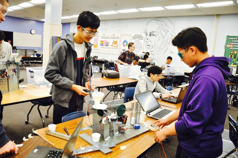 Students Engineering Futures in DBHS Academy Featured Photo