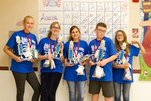 Acacia student winners for Battle of the Books.