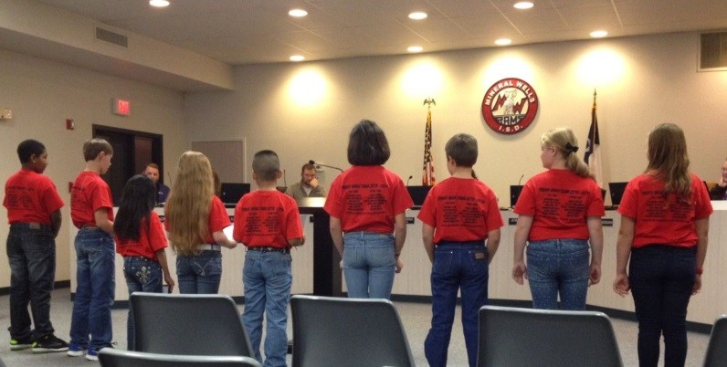 Travis News team presents to the MWISD Board of Trustees