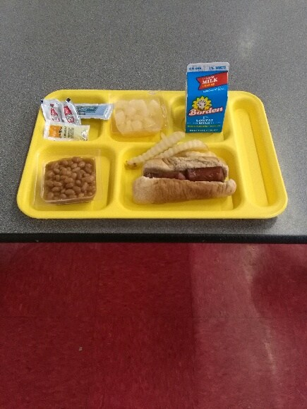 Sausage PoBoy lunch tray